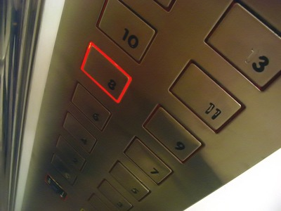 elevator-buttons-1542339