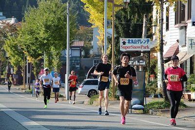 市街地を走る(ハーフマラソン)