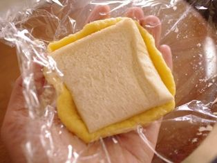 食パンとホットケーキミックスで簡単メロンパン04