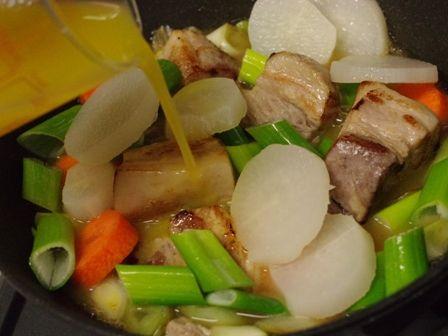 根野菜と豚肉ブロックでオレンジ豚煮04