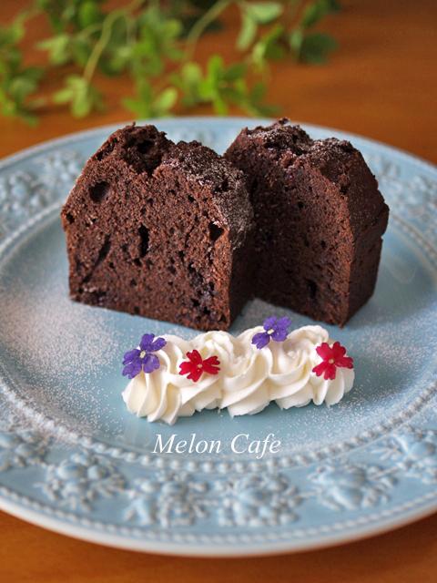 チョコレートケーキと食べられるドライフラワー09