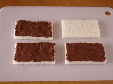 ヌテラで超簡単ケーキのようなサンドイッチ01