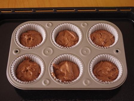 ホットケーキミックスで簡単メレンゲのせココアカップケーキ03