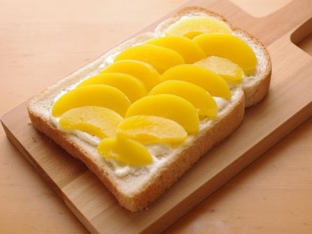 桃缶と塩麹でとろ甘デザートトースト02