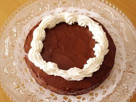 簡単手順で本格ガトーオショコラのクリスマスケーキ09