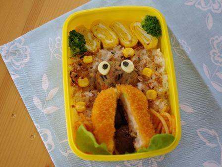 スヌーピーとセミのお弁当2