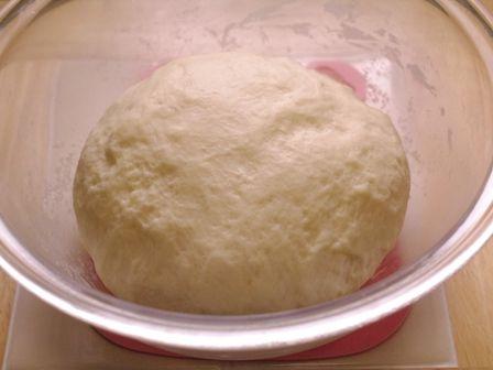 あとひく旨さスモークチーズの簡単手ごねパン05