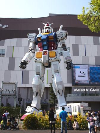 Miraikan20140426MelonCafe09GUNDAMdivercitytokyoplaza.jpg