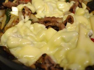 豚肉とピーマンのごはんがっつりチーズ炒め04