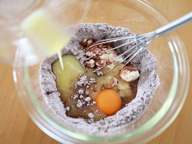 ホットケーキミックスと豆腐のココアマフィン03