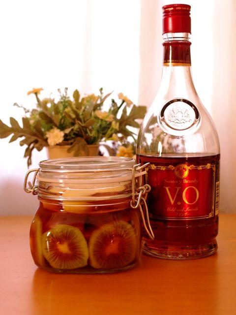 赤いキウイとりんごのフルブラ(フル-ツブランデー)