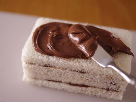 ヌテラで超簡単ケーキのようなサンドイッチ02