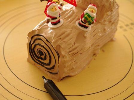 パウンドケーキで簡単ブッシュドノエル10