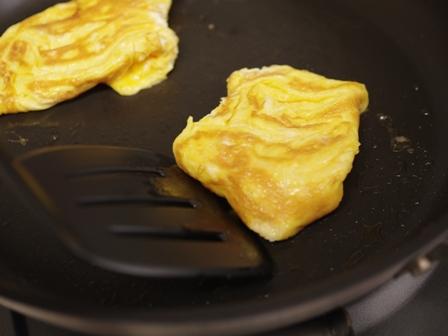 簡単チーズ包みベーコンと卵のクリスケット朝食04
