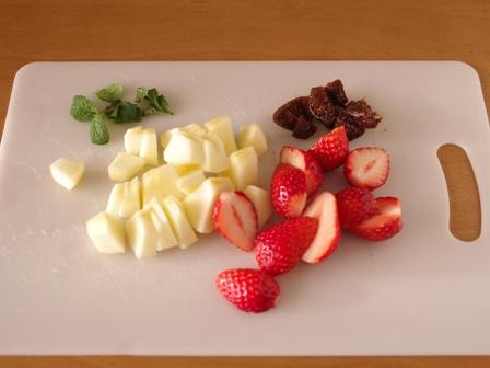 いちごと豆とクリームチーズミルクのチェー03