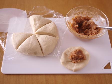 マロンペーストで作る栗ちぎりパン06