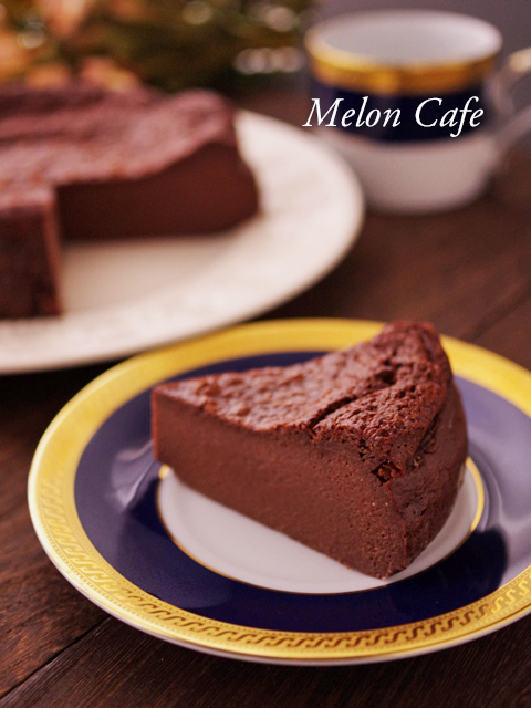 パーティ用ホールケーキのガトーショコラ粉なし02