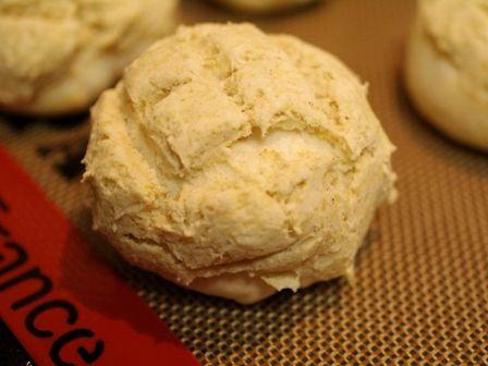 米粉とホワイトソルガムでつくる、メロンパン01