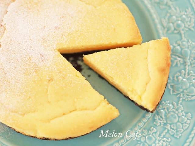 生クリームもバターも不要で簡単、本格チーズケーキa