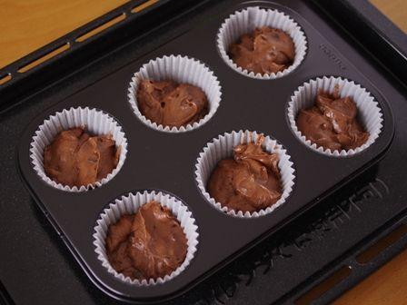 ホットケーキミックスで作るダブルチョコレートのカップケーキ03