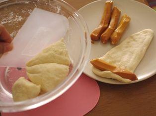 スモークチーズの巻きパン05