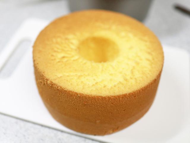 卵で簡単ふわしゅわシフォンケーキ07