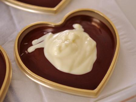 マーブル模様の板チョコレートハート型02
