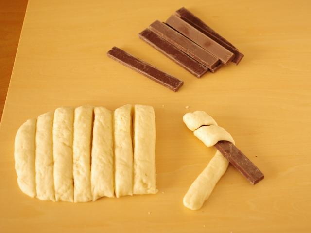 ホットケーキミックスで菓子パン チョコレートバトン04