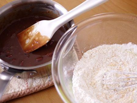 キャドバリーデイリーミルクフルーツアンドナッツでつくるゼブラ柄の簡単スクエアケーキ02