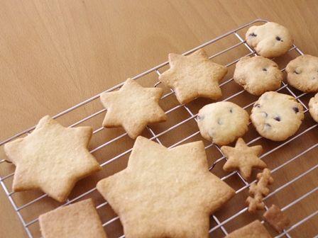 森にたたずむサンタのヘクセンハウスクリスマスツリークッキーとミニハウス10
