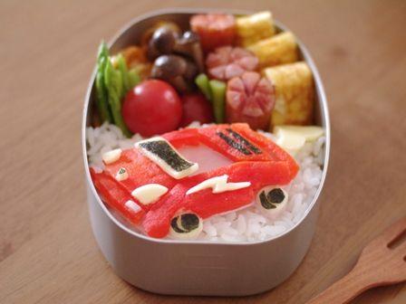 赤いスポーツカーお弁当