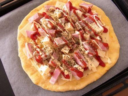 2種類のゴールデンスパイスピザ30分で簡単ピザ08