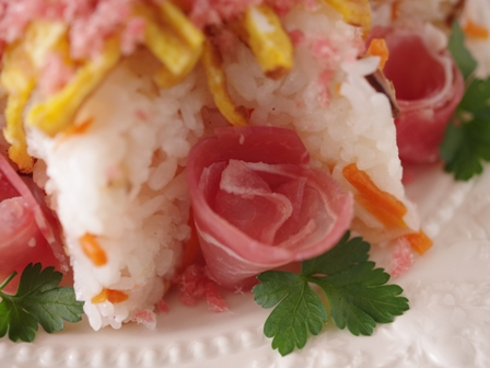 ひな祭りの寿司ケーキ04