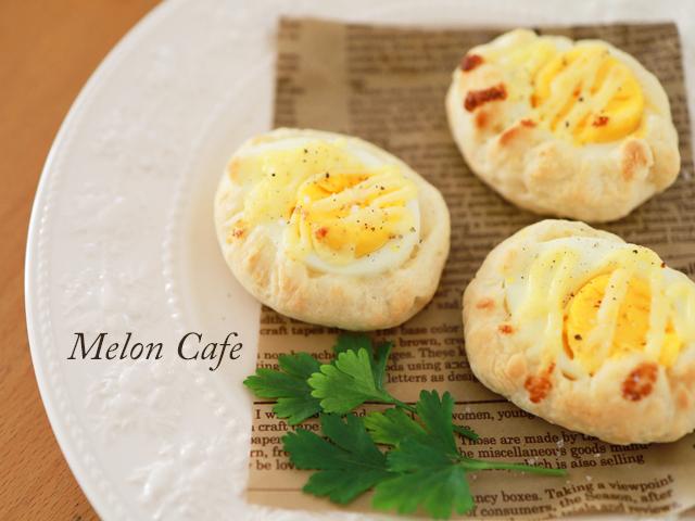 簡単おやつパン_ゆで卵パン