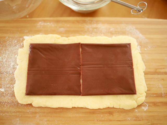 チョコとろけるサクサクうずまき菓子パン10