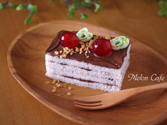 ヌテラで超簡単ケーキのようなサンドイッチ