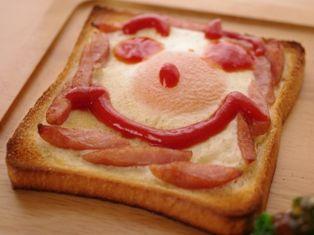 燻製風味のたまごトースト、ホットりんごシナモンa2