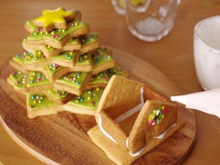 森にたたずむサンタのヘクセンハウスクリスマスツリークッキーとミニハウス06