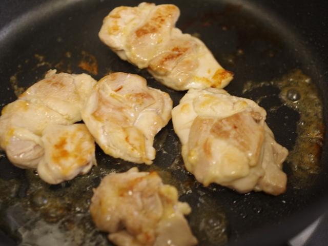 チキンのタル煮ソース02