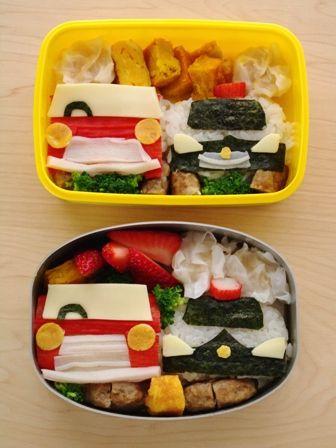 赤いクルマとパトカーのお弁当