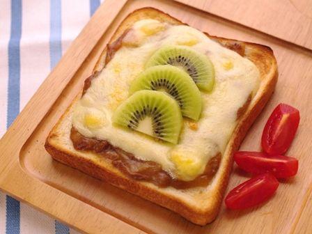 簡単チーズのカレートースト