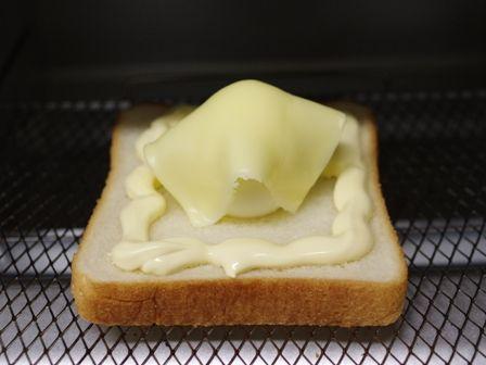 おばけトーストたまごとチーズ01