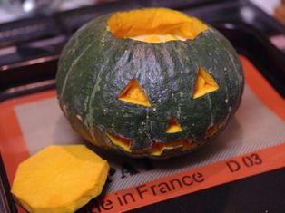 ジャックオーランタンのまるごとかぼちゃケーキc