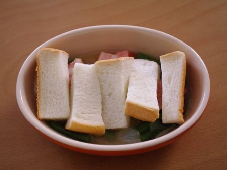 ひと皿で満足ブーケガルニでつくる厚切りベーコンのグラタンスープ05
