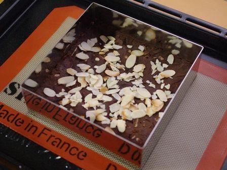 フルブラでつくる、パリさくアーモンドのチョコレートブラウニー04