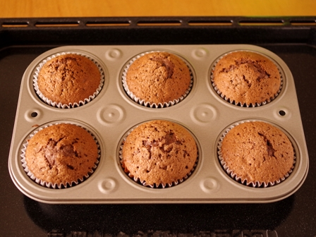 ホットケーキミックスで簡単メレンゲのせココアカップケーキ05