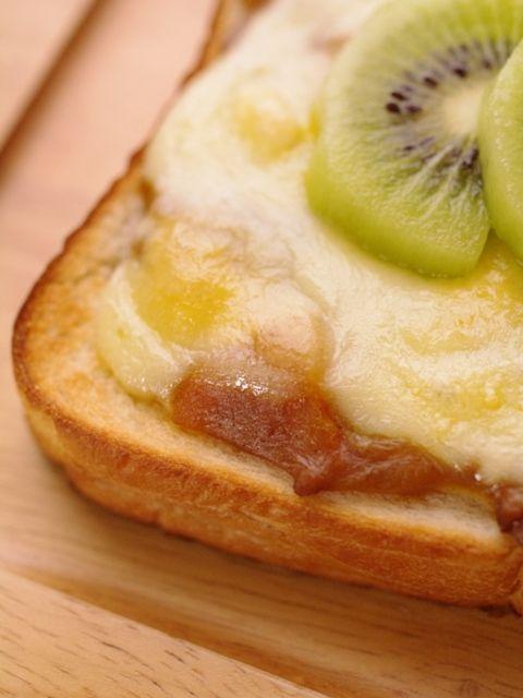簡単チーズのカレートースト01
