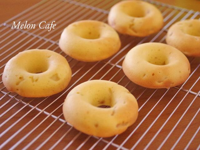 ヨーグルトと桃のシンプル簡単ヘルシー焼きドーナツ07