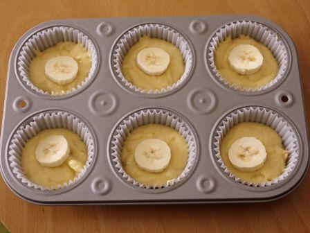 簡単はちみつバナナのカップケーキ02