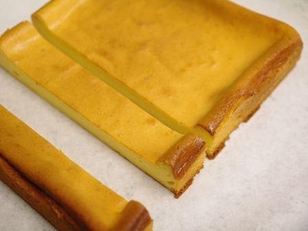 つまんでパクッと食べられるチーズケーキキューブ06